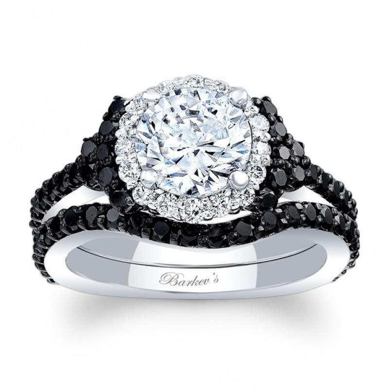 Barkev's Designer Round Cut Diamond Engagement / Bridal 2 piece set Ring in 14KT White Gold with 1.11 ct in side Diamonds 7979SBKW